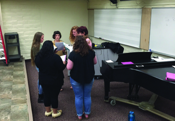 Vocal jazz workshop class turns into all-girl jazz group