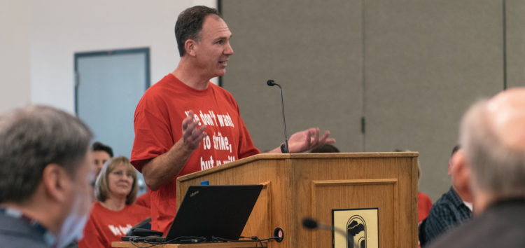 """Cuesta faculty rally for """"fair pay"""" at Board of Trustees meeting"""